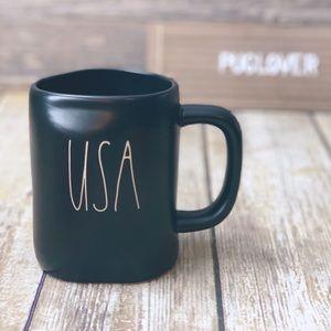 RAE DUNN black mug { USA }
